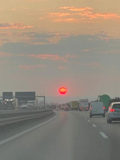 Sonnenaufgang auf der A81